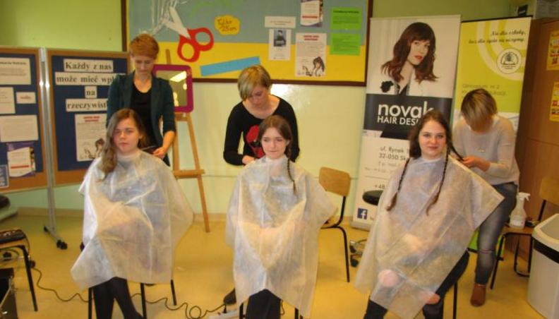 Ścinają włosy dla Klaudii