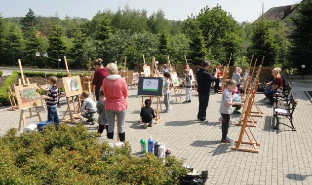 Radziszów: Malowanie w plenerze