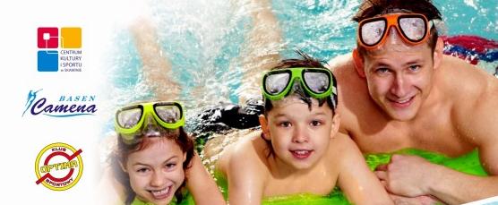 Rodzinne pływanie na wesoło