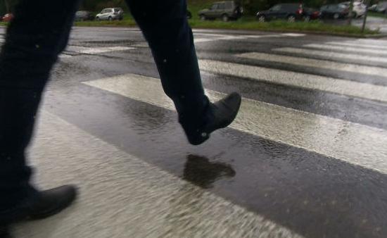 18 mandatów karnych dla pieszych