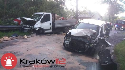 Wola Radziszowska: zderzenie na łuku drogi