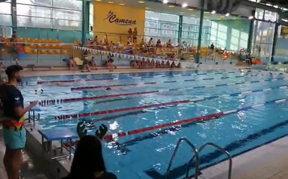 200 pływaków na mistrzostwach